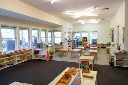 Bilingual Montessori Early Learning